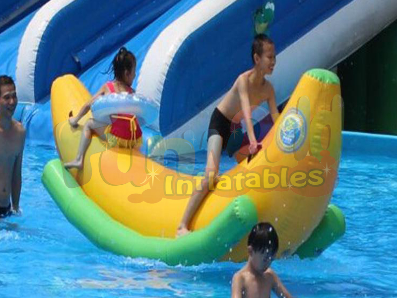 Cheap inflatable boat banana boat floating inflatable tube swimming pool water games