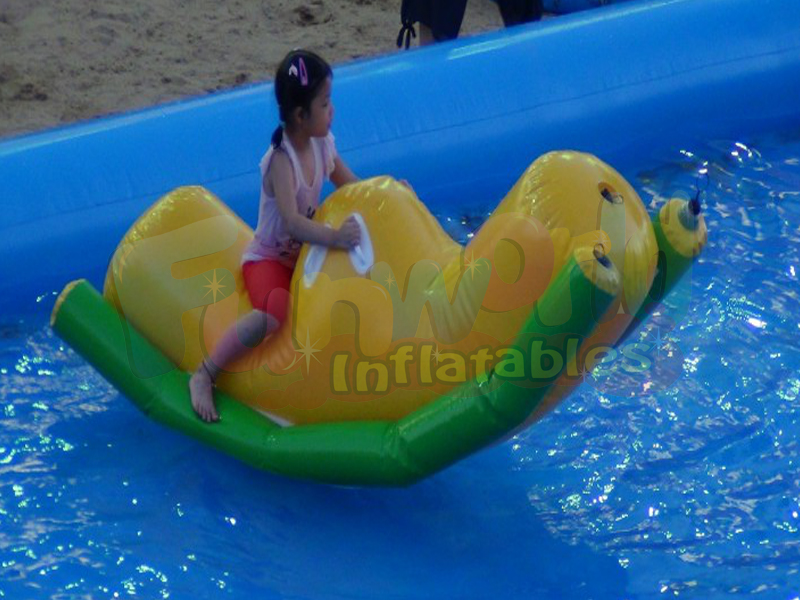Banana seesaw ride-on pool toys paddle boats tubes inflatable flying fish banana boat