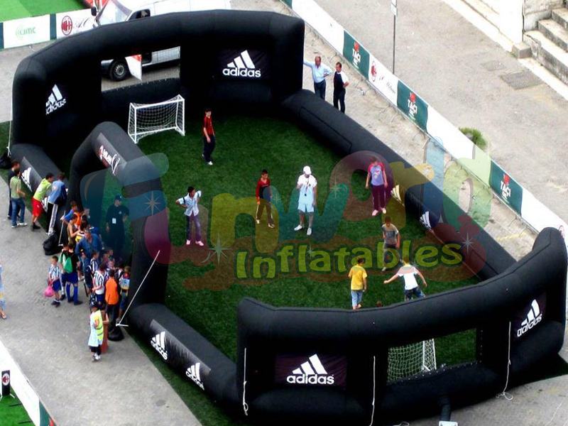 Giant inflatable ball game soccer arena court inflatable football pitch on sale