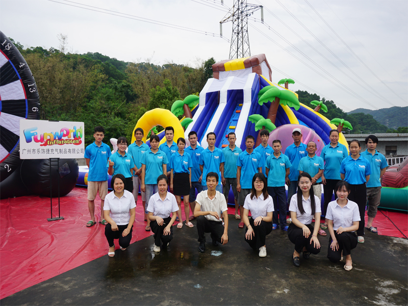 Guangzhou funworld inflatables limited team family